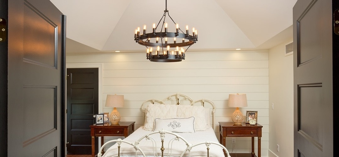 Lighting trends that include big light fixtures used as centerpieces.